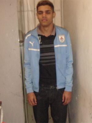 Alexsandro da Silva foi preso suspeito de cometer ao menos três roubos na Zona Oeste (Foto: Reprodução / Divulgação)