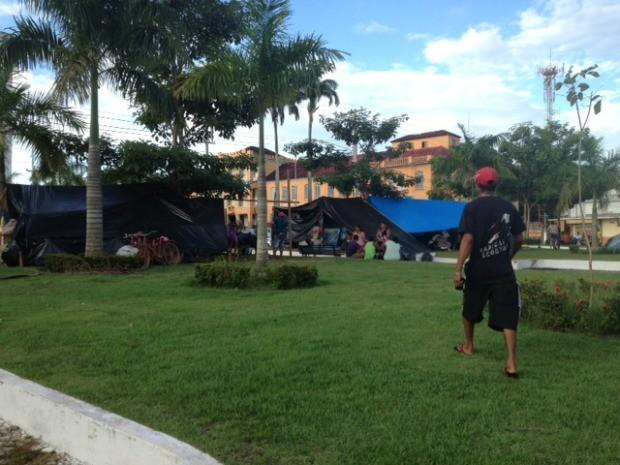 Segundo o representante das famílias, as crianças não vão poder ir à escola (Foto: Taísa Arruda/G1)