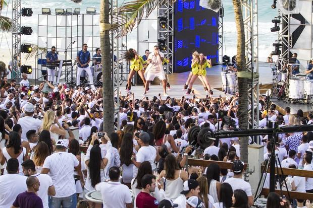 Léo Santana grava DVD em Fortaleza (Foto: Anderson Barros / EGO)