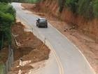 Trecho de estrada municipal com cratera de 10m preocupa motoristas