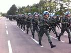 Militares que vão ao Haiti têm formatura (Bernardo Bortolotto/RBS TV)