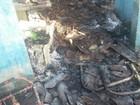 Homem ateia fogo na própria casa após briga com esposa em Jataúba