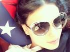 Isis Valverde faz selfie antes de voltar para o Brasil: 'Vamos voltar ao Rio'