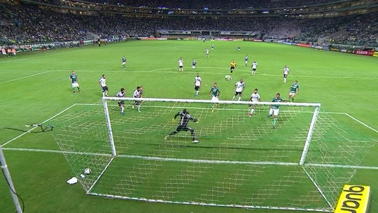 """Ponte """"senta na vantagem"""", perde por um gol e garante vaga na final; análise"""