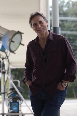 Herson Capri é um importante cineasta brasileiro na trama (Foto: TV Globo / Zé Paulo Cardeal)