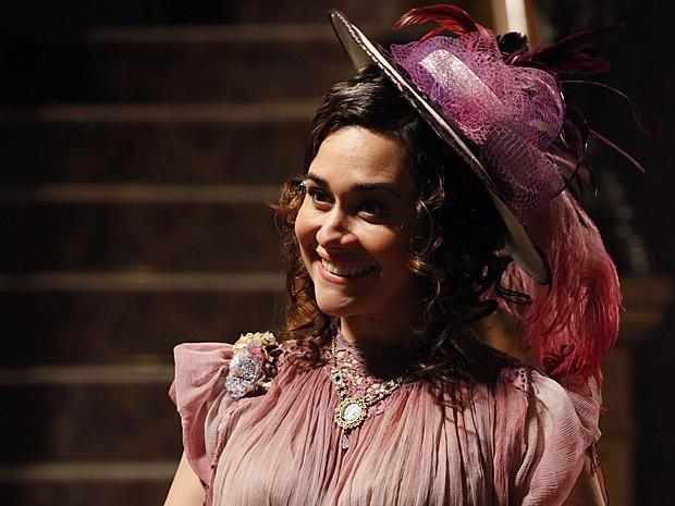 Alessandra Negrini será a cantora lírica Catarina (Foto: Lado a Lado / TV Globo)