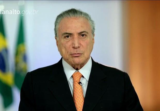 O presidente Michel Temer faz pronunciamento para negar envolvimento em corrupção após denúncia da JBS (Foto: Reprodução/TV Globo)