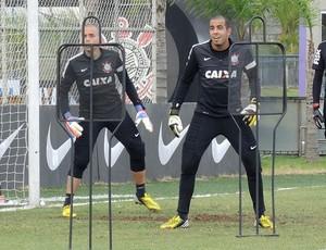 Danilo Fernandes e Julio Cesar treino Corinthians (Foto: Rodrigo Faber)