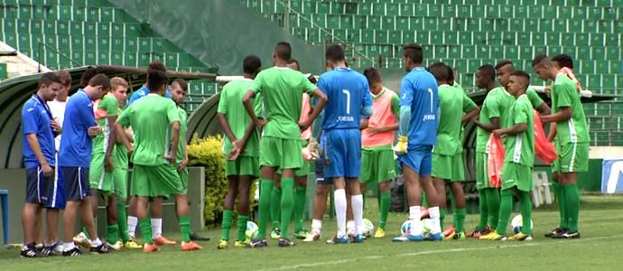 Guarani treino categorias de base Copa São Paulo (Foto: Edvaldo de Souza / EPTV)