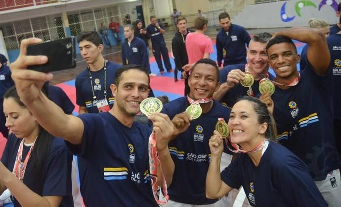 Karate São José dos Campos Jogos Regionais de Taubaté (Foto: Tião Martins / PMSJC)