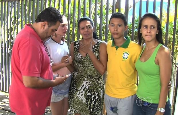 Estudante é espancado em posto após sair do festival Villa Mix, em Goiás (Foto: Reprodução/TV Anhanguera)