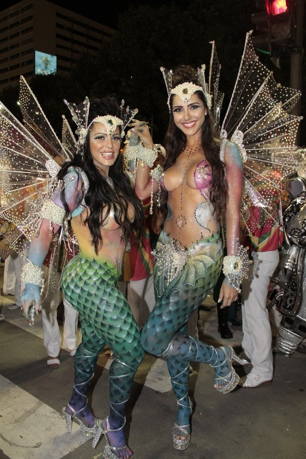Fabiana Andrade e Kelly Baron (Foto: Isac Luz/EGO)