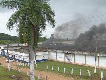 Rebelião na Penitenciária de Itamaracá (Foto: Reprodução/TV Globo)
