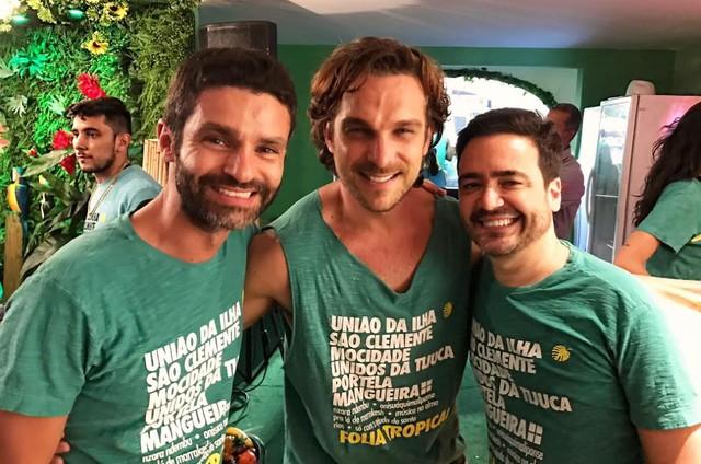 Daniel Ortiz encontrou o ator Igor Rickli e o diretor português Hugo de Sousa num dos camarotes do Sambódromo (Foto: Arquivo pessoal)