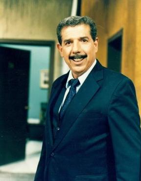 Rubén Aguirre como o professor Girafales (Foto: Reprodução/Twitter)