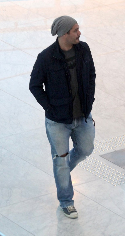 Thiago passeou pelo shopping (Foto: AgNews)