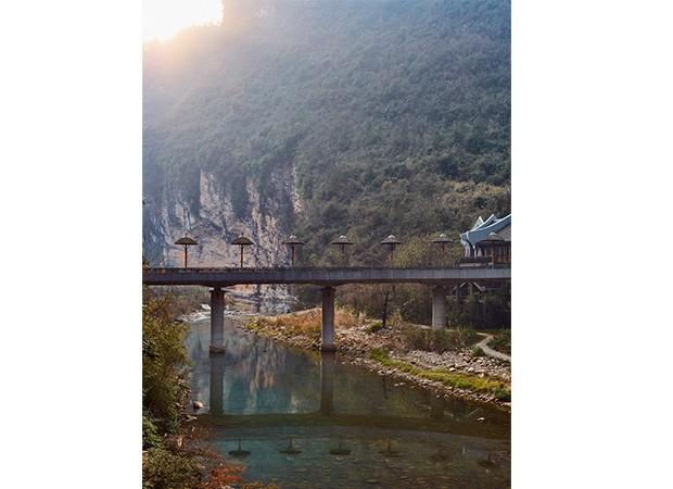 Entrada do Harmona Resort & Spa, em Zhangjiajie (Foto:   Gustavo Zylbersztajn)