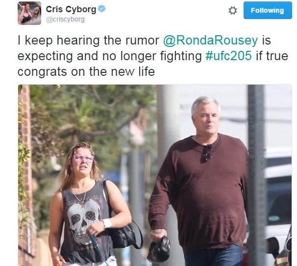 """BLOG: Cris Cyborg posta imagem de Ronda """"cheinha"""" e sugere boatos de gravidez"""
