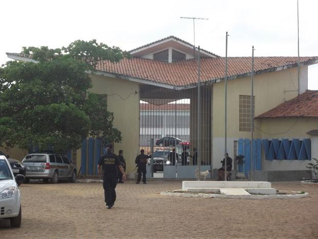 Presos foram tranferidos de Alcaçuz na manhã desta sexta (14) (Foto: Fred Carvalho/G1 RN)