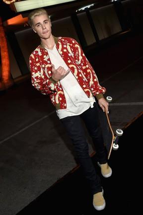 Justin Bieber em evento de moda em Los Angeles, nos Estados Unidos (Foto: Larry Busacca/ Getty Images/ AFP)