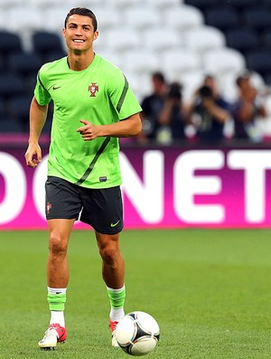 Cristiano Ronaldo no treino de Portugal (Foto: Getty Images)