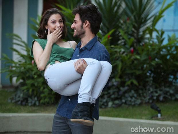 Esses dois se divertem muito nos bastidores! (Foto: Pedro Curi/ TV Globo)