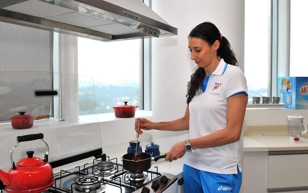Sheilla cozinha vôlei (Foto: João Pires/FotoJump/Divulgação)