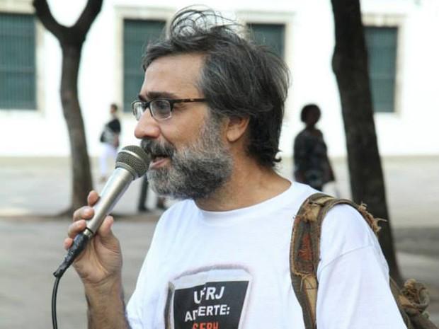 Mauro Iasi em ato na Praça XV, no Rio de Janeiro, como presidente da Associação dos Docentes da UFRJ  (AdUFRJ) (Foto: Divulgação)