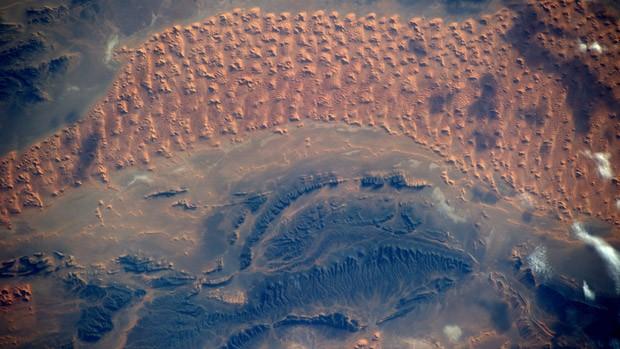 Gerst também fotografou o Deserto do Saara pouco antes do pôr do sol (Foto: Alexander Gerst/ESA/Nasa)