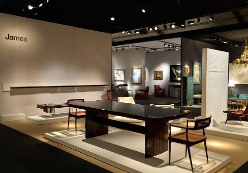 Os móveis do brasileiro Joaquim Tenreiro são destaque no evento PAD, de arte e design em Paris. Foto: Divulgação (Foto: Os móveis do brasileiro Joaquim Tenreiro são destaque no evento PAD, de arte e design em Paris. Foto: Divulgação)