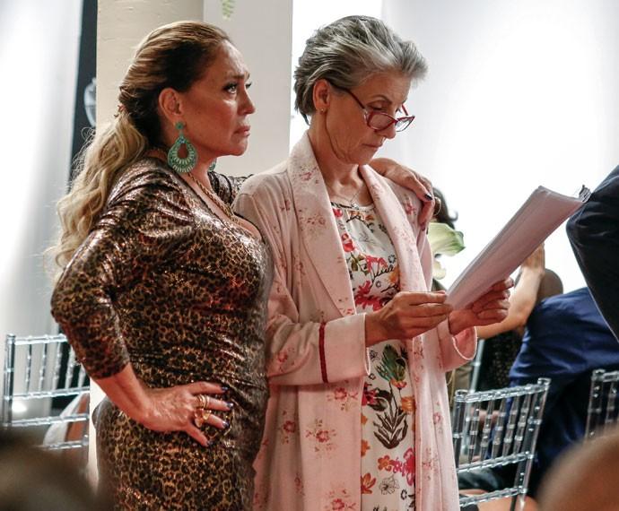 A intérprete de Djanira passa o texto ao lado de Susana Vieira (Foto: Ellen Soares/Gshow)