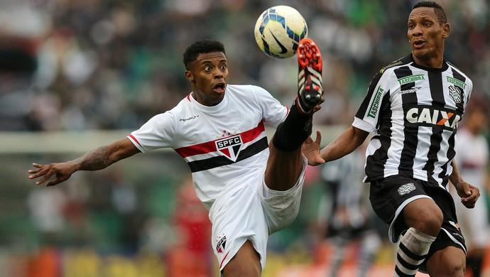 michel bastos marcao figueirense x são paulo (Foto: Getty Images)