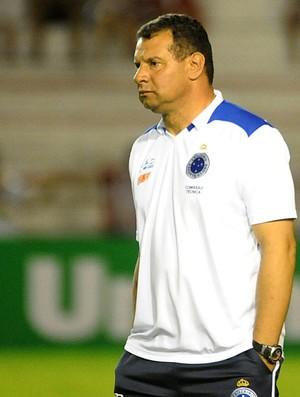 Celso Roth - Náutico x Cruzeiro (Foto: Aldo Carneiro / Pernambuco Press)