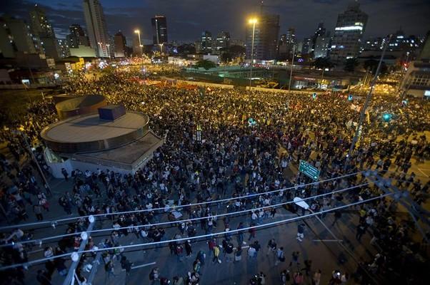 Protesto em São Paulo (Foto: EFE/Sebastião Moreira)