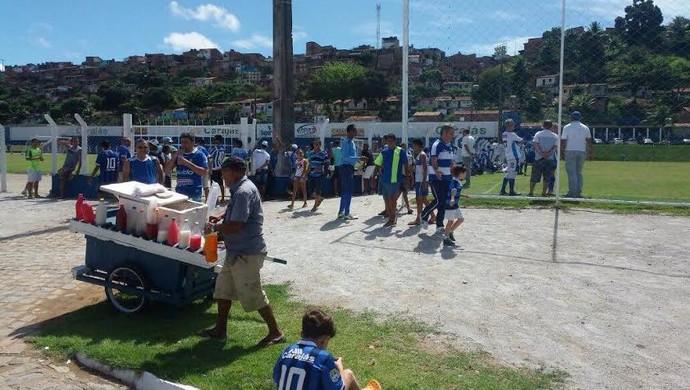 Treino CSA - Torcida - aniversário 103 anos (Foto: Augusto Oliveira/GloboEsporte.com)