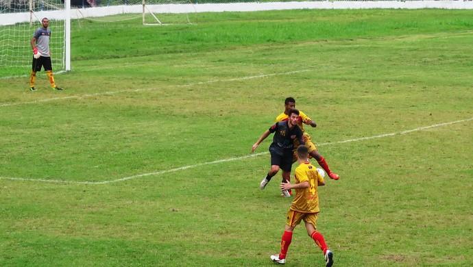 Jabaquara e Taboão da Serra empatam sem gols no Estádio Espanha (Foto: Guilherme Lucio)