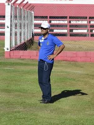 Aridelson Bianchi, técnico do Linhares (Foto: Sidney Magno Novo/GloboEsporte.com)