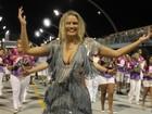 Ellen Rocche capricha na 'comissão de frente' em ensaio de carnaval