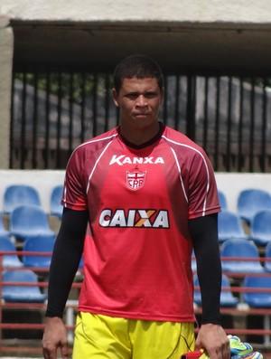 Juliano, goleiro do CRB (Foto: Leonardo Freire/GloboEsporte.com)