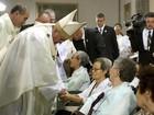 Papa se encontra com idosa que foi escrava sexual durante guerra