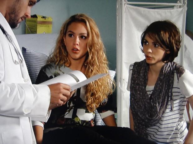 O médico mostra os exames para Meg e diz que ela não estava grávida (Foto: Malhação / TV Globo)