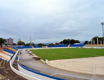 Obras no estádio Martins Pereira, em São José dos Campos - outubro (Foto: Danilo Sardinha/Globoesporte.com)