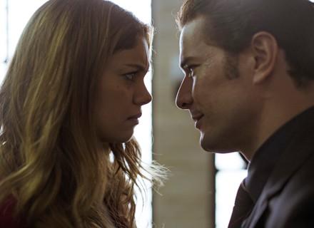 Alice fica furiosa com Vitor ao saber do novo contratado da construtora