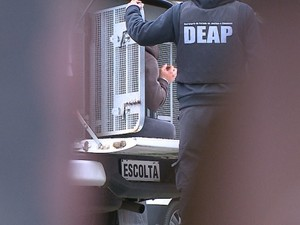 Presos foram transferidos para Chapecó nesta quarta (2) (Foto: Rogério Danielski/RBSTV)