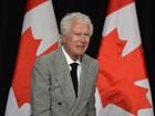 Morre embaixador canadense que protegeu diplomatas dos EUA no Irã