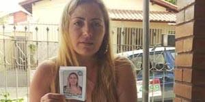 A candidata e o santinho errado: apenas 12 votos com número certo.  (Foto: Foto: Tiago Campos / G1))