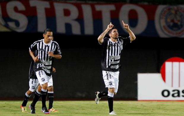 Ricardinho gol Ceará x Bahia (Foto: Eduardo Martins / Ag. Estado)