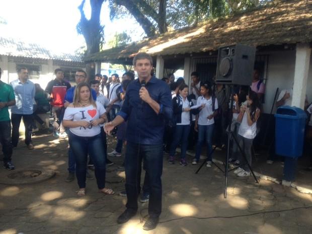 Lindberg discursa na Faetec (Foto: Janaína Carvalho/G1)