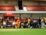Cena forte: sul-africano sofre fratura  no tornozelo em jogo contra o Brasil
