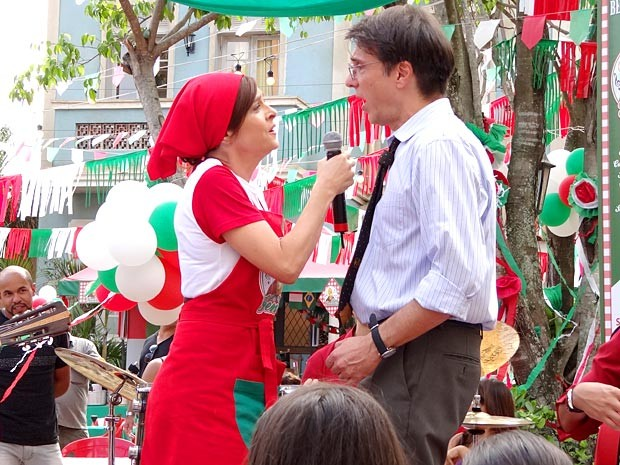 O dueto no palco é um sucesso (Foto: Guerra dos Sexos / TV Globo)
